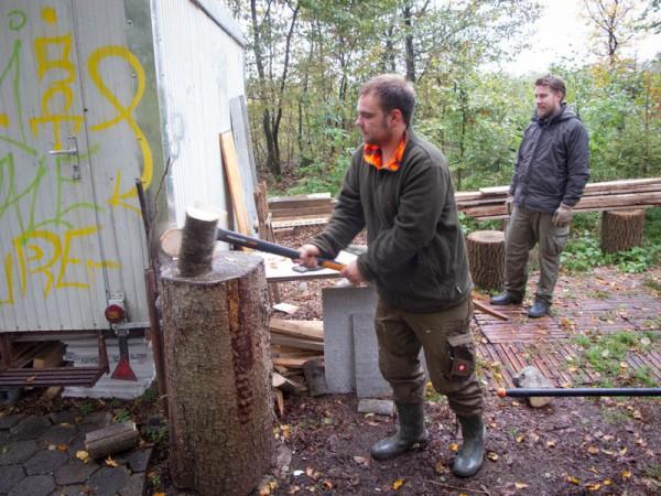 Brennholz für die Jagdhütte